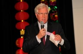 奥克维尔国会议员Terence Young在华人联盟成立庆典上致辞